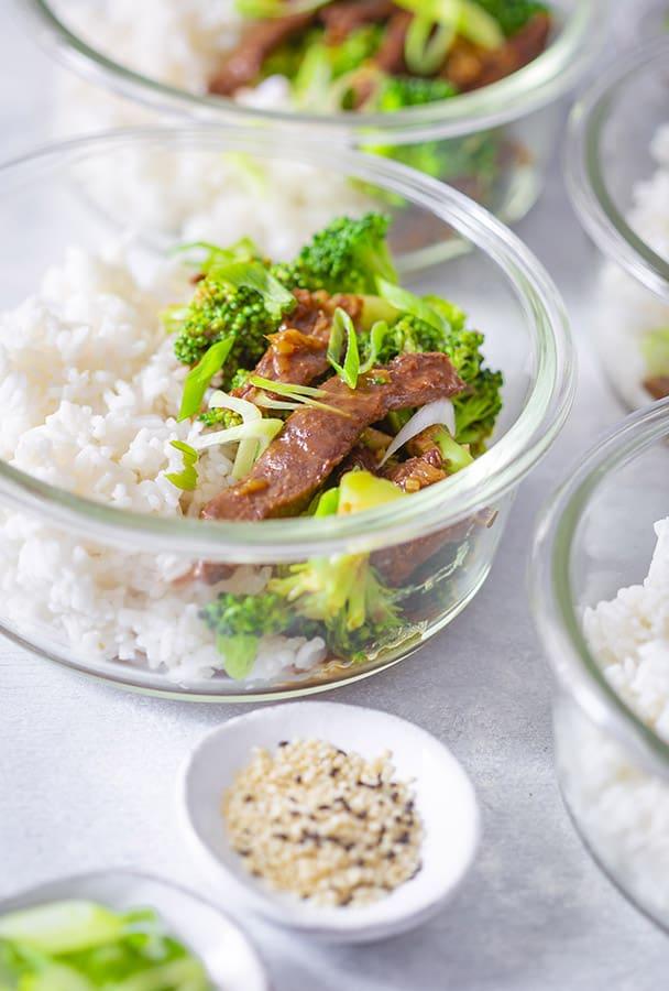beef and broccoli stir fry meal prep bowls
